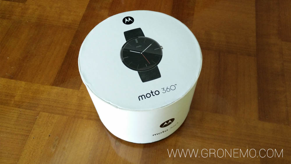 Packaging de la Moto 360.